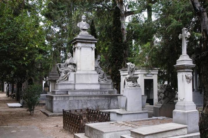 El pante n franc s de la piedad una joya de la for Arquitectura funeraria